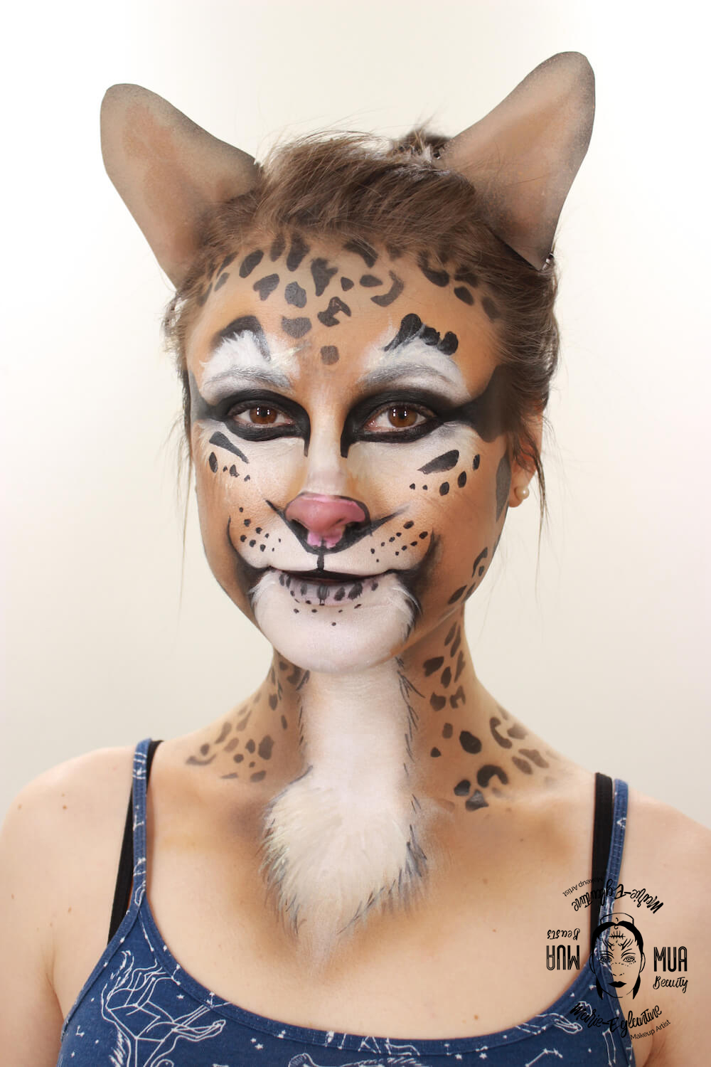Maquillage airbrush : visage de chat