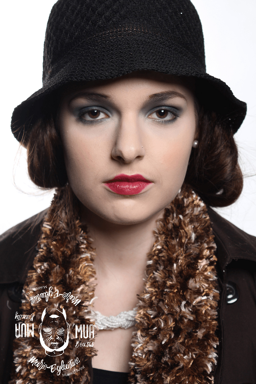Makeup style 20's